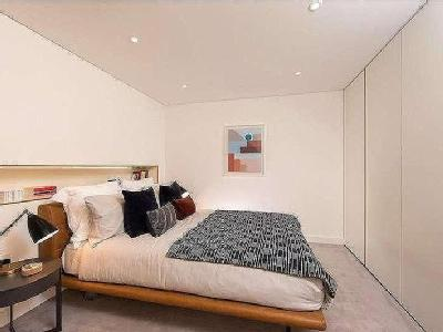 Flat for sale, Fann St London
