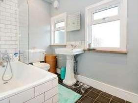 Flat for sale, Darfield Road - Garden