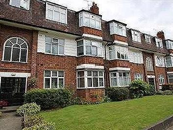 South Woodford, E18 - Furnished