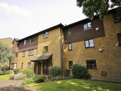 Collingwood Place, Walton On Thames, Surrey, Kt12