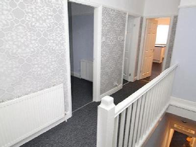 Flat to rent, Dover Road - Modern