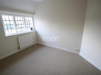 Flat to rent, Hollybank - Listed