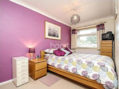 Close To Ealing Broadway - Reception
