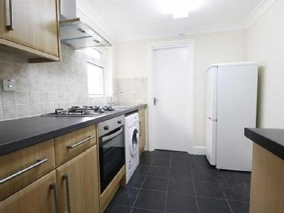 Maud Road, Plaistow - Double Bedroom
