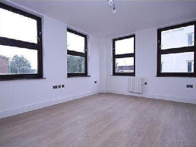 Flat for sale, Bromham Road
