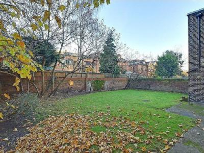 Shooters Hill Road, Se3 - Furnished