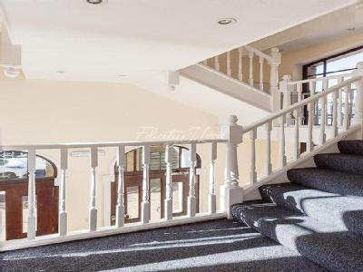Flat to rent, Ark Court, N16