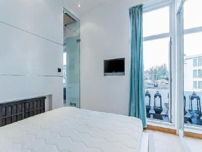 Flat for sale, The Avenue - Balcony