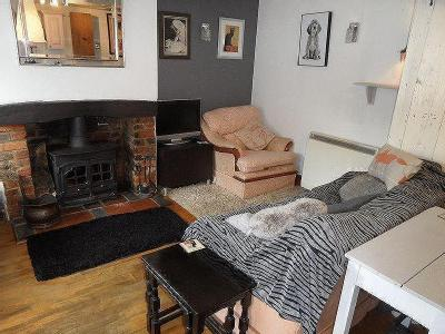 Stokenchurch, A Charming One Bedroom Cottage