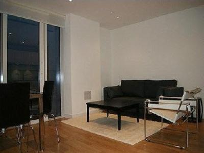 1 bedroom flat to let - Gym, Balcony