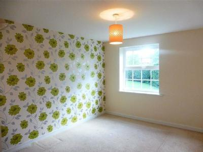 Flat to let, Chestnut Drive