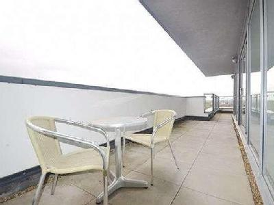 Flat to let, Miles Close - Furnished