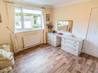 Flat for sale, Kirkwood Green