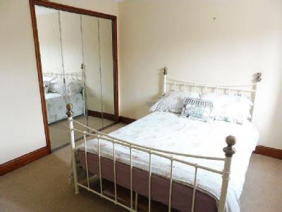 House to let, Proudfoot Way - Garden