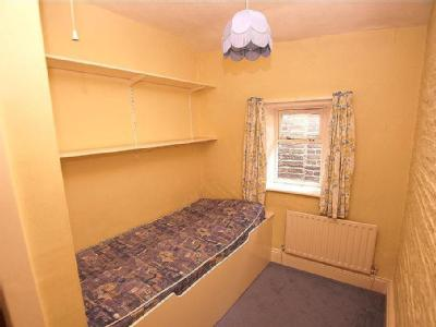 House to let, South Street - Cottage