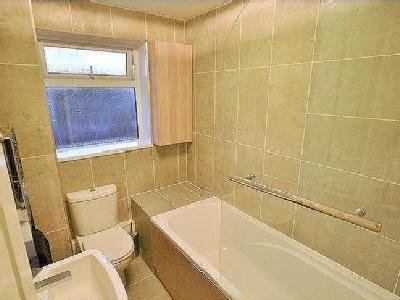 House to let, Larchwood - Terrace