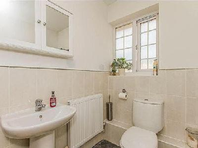 Flat for sale, Medhurst Way - Modern