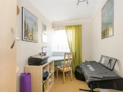 Flat for sale, Kingston Road