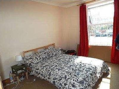 Flat for sale, Paynes Road - No Chain