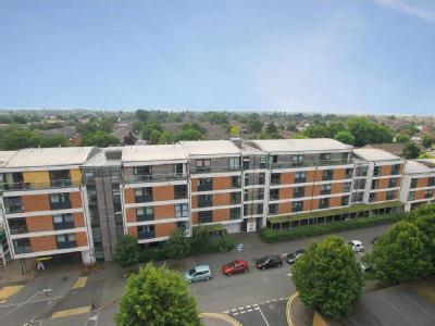 Aits View, Victoria Avenue, West Molesey, Kt8