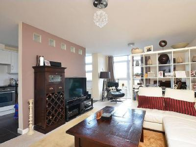 Victoria Avenue, West Molesey, Kt8, Kt8