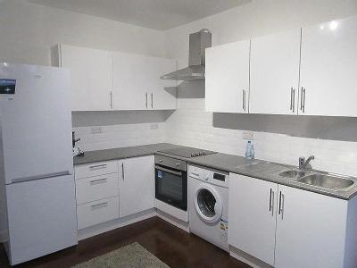 Palmers Green, N13 - Double Bedroom