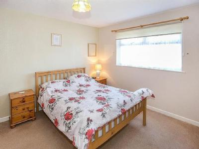 Flat for sale, Naylor Close - Garden