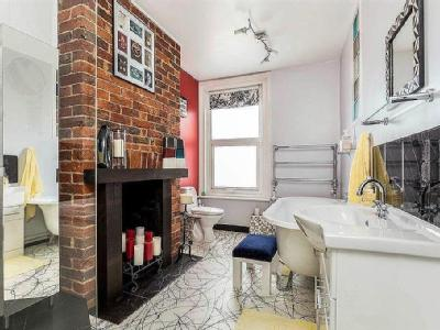 House for sale, Anns Hill Road