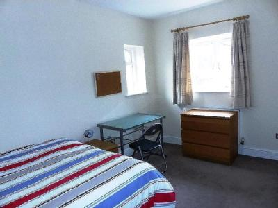 Flat to rent, Warstone Lane - Listed