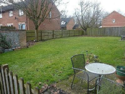 Broome Way, Banbury - Shared Garden