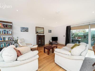 The Upper Drive, Hove, Bn3 - Garden