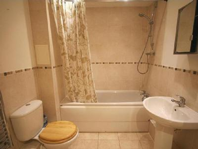 Flat for sale, Whinbush Road