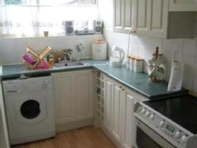 Valley Side Parade, E4 - Kitchen