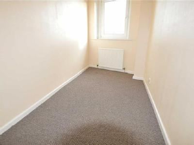 House to rent, Bradford - Terrace