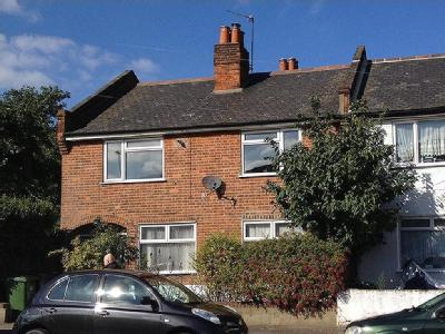 Flat to let, Grove Close - Balcony