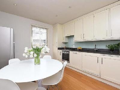 Northcote Road, Sw11 - Double Bedroom
