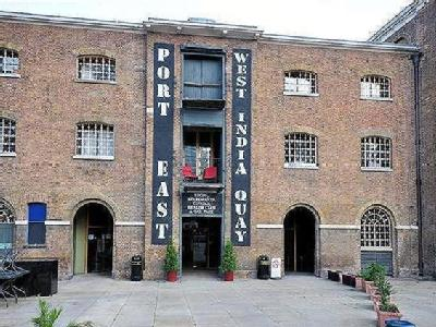 Port East Apartments, Hertsmere Road, Nr Canary Wharf, Docklands, E14