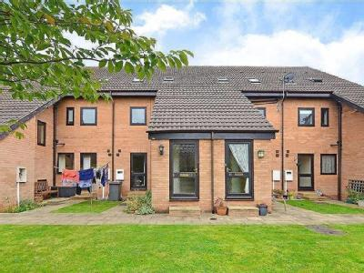 Lindisfarne Court, Walton, Chesterfield, Derbyshire, S40