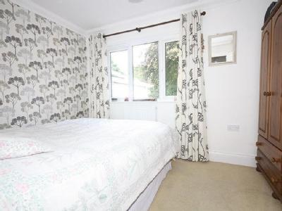 House to rent, Westbourne - Modern