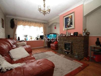Flat to let, Shelley Close