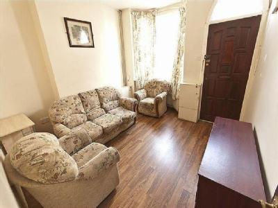 House to let, Windmill Lane - Garden
