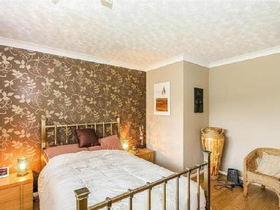 House for sale, Priory Road - Hot Tub