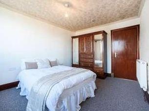 Flat for sale, The Causeway