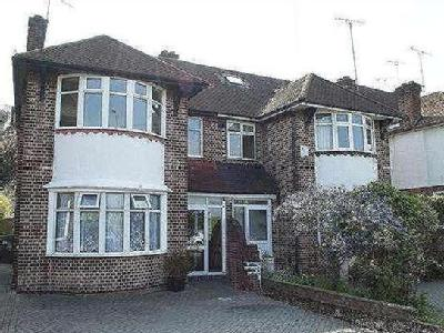 Sewardstone Road, Chingford, E4