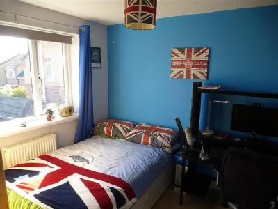House to let, Kirkby Avenue - Garden