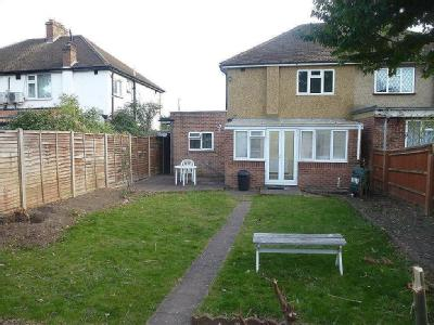 House to rent, Staines Road - Garden