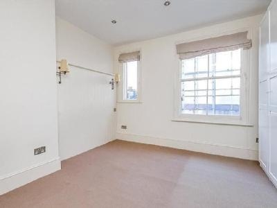 Flat to let, New Kings Road - Terrace