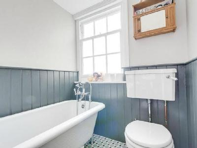 Hampton Place, Brighton, Bn1 - Listed