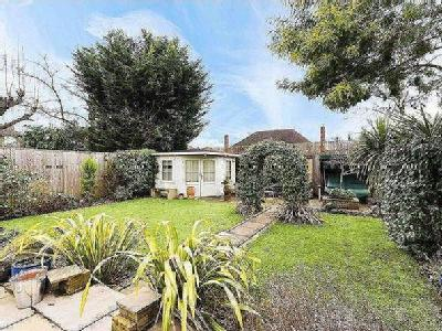 Greenwood Close, Thames Ditton, Surrey, Kt7