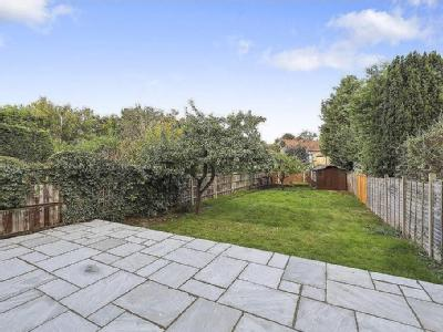 House for sale, Claygate - Garden